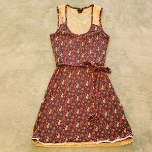 Rue 21 size Sm dress. Navy with flowers, lace